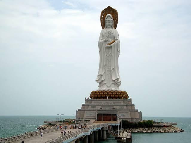 10.- El Guan Yin del Mar del Sur de Sanya, China